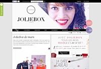 JolieBox exporte son savoir beauté