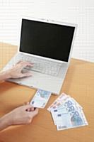 PayPal rachète la société Card-io