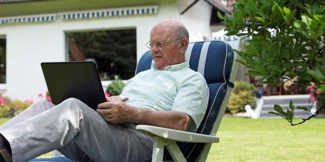 Les seniors s'offrent une cure de jouvence sur la Toile