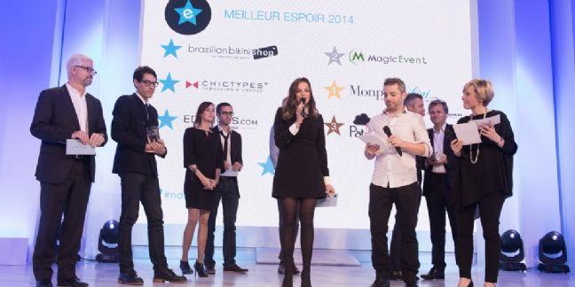 Au centre : Audrey Lieutaud, la gagnante de l'an dernier, a remporté le Meilleur Espoir Or pour MonPetitBikini.