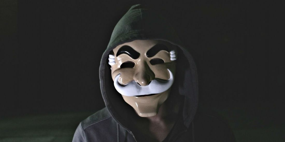 Le masque utilisé par les hackers dans la série Mr.Robot