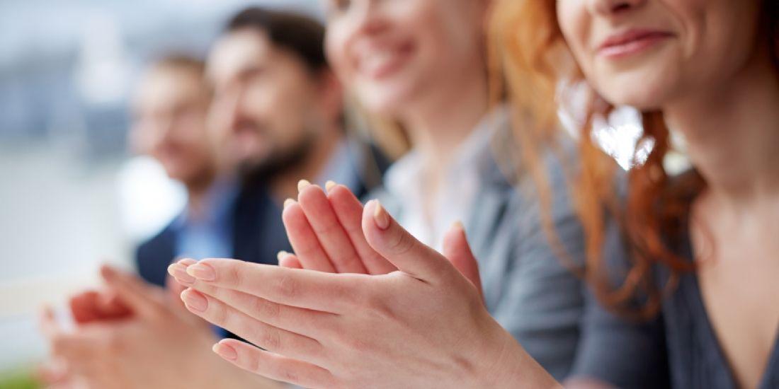 Booking.com lance les Technology Playmaker Awards pour valoriser les femmes dans le secteur de la technologie