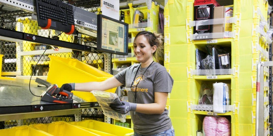 Amazon augmente les salaires à 15 dollars aux USA