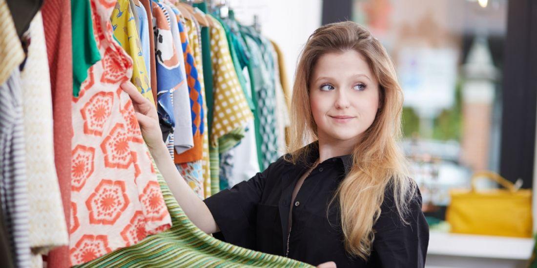 [Étude] 47% des vendeurs en magasin abandonnent leur client pour vérifier le stock
