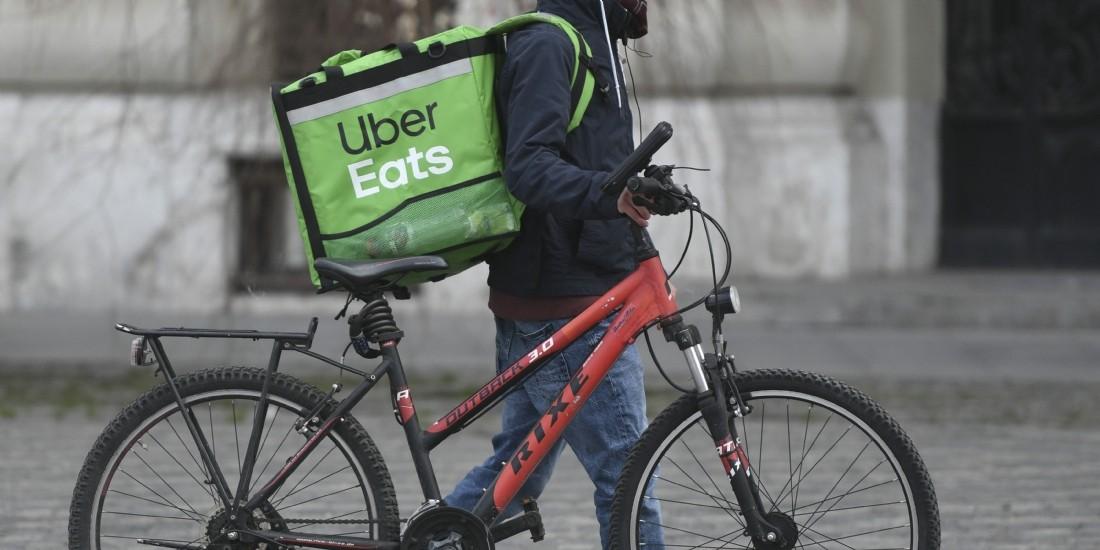 Covid-19: Carrefour s'associe à Uber Eats pour livrer les consommateurs