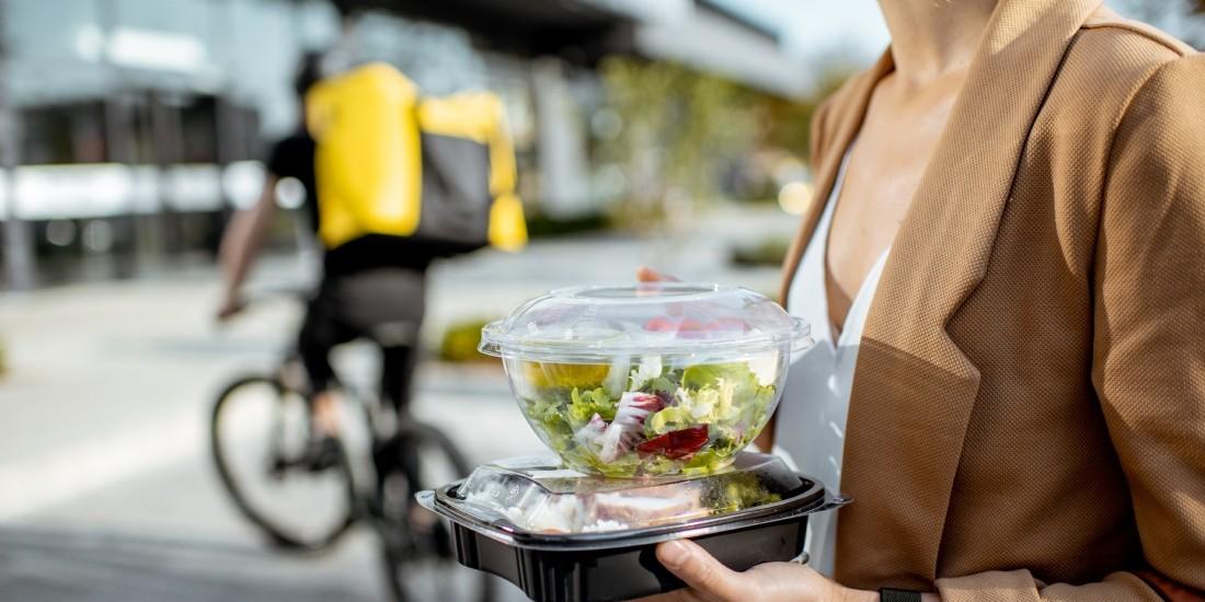 La crise sanitaire attise la guerre de la livraison de repas à domicile